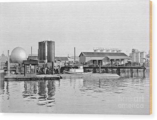 Tug Boat On The Waterfront Wood Print