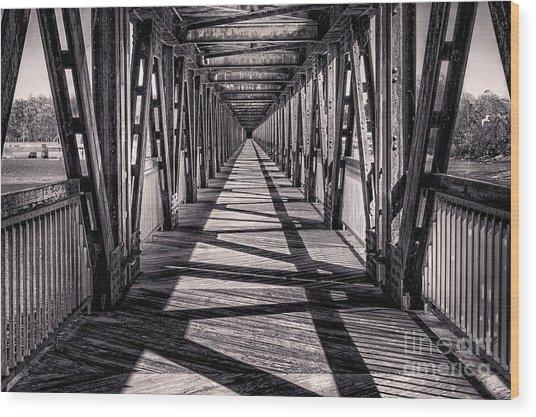 Tulsa Pedestrian Bridge In Black And White Wood Print
