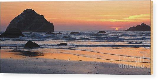 Twilight Coast Wood Print
