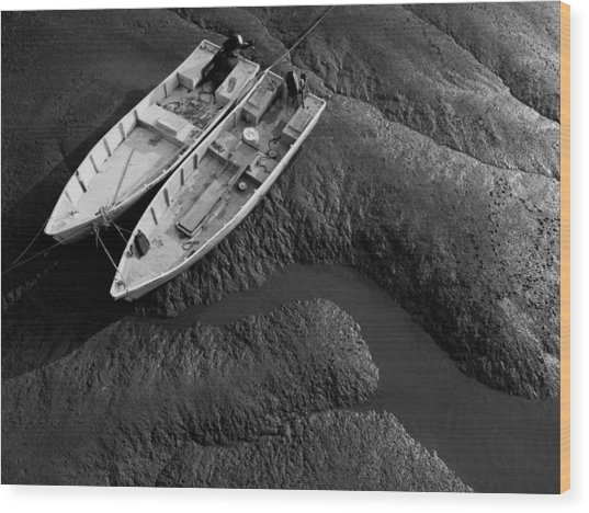 Two Boats At Low Tide Wood Print