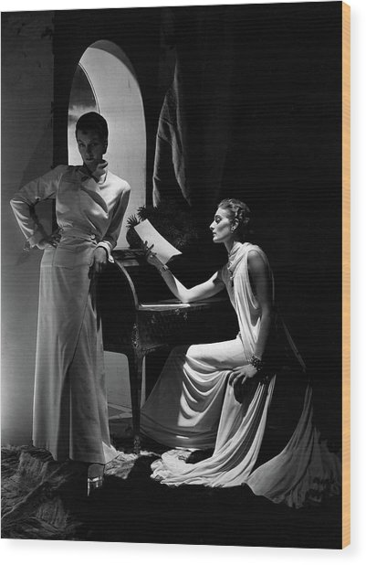 Two Models Wearing Clothing By Yrande And Maggy Wood Print by Horst P. Horst
