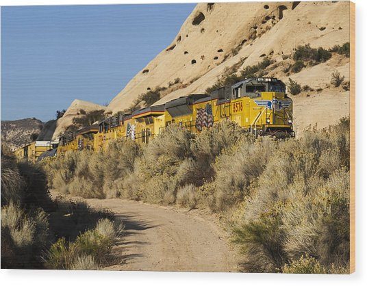 Union Pacific Rolling Through The Mormon Rocks Wood Print