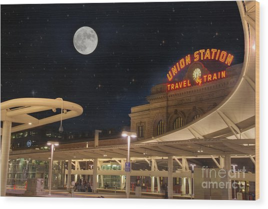Union Station Denver Under A Full Moon Wood Print
