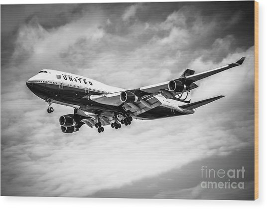 United Airlines Airplane In Black And White Wood Print