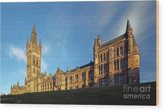 University Of Glasgow Wood Print