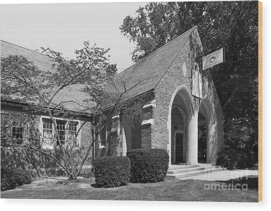 University Of Notre Dame Knights Of Columbus Council Hall Wood Print by University Icons
