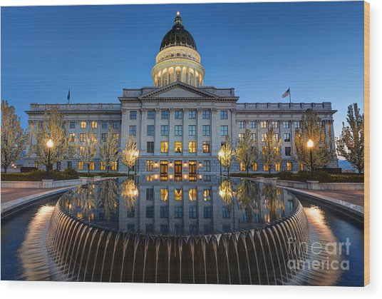 Utah State Capitol In Reflecting Fountain At Dusk Wood Print