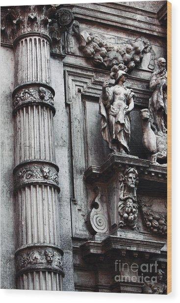 Venetian Statues Wood Print by John Rizzuto