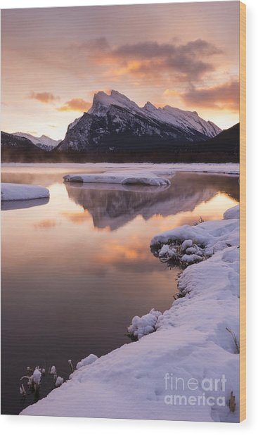 Vermillion Lakes In Banff National Park Wood Print by Ginevre Smith