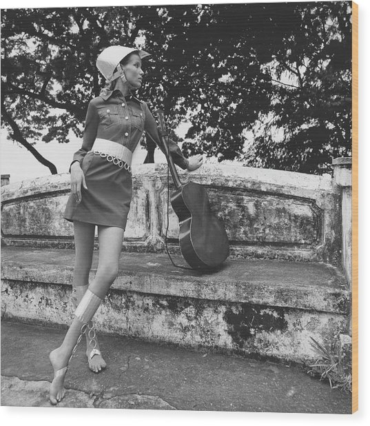 Veruschka Von Lehndorff Wearing A Shirtdress Wood Print