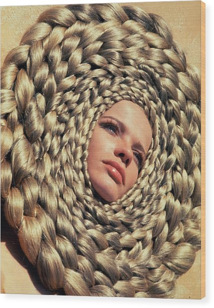 Veruschka Von Lehndorff's Head Surrounded Wood Print