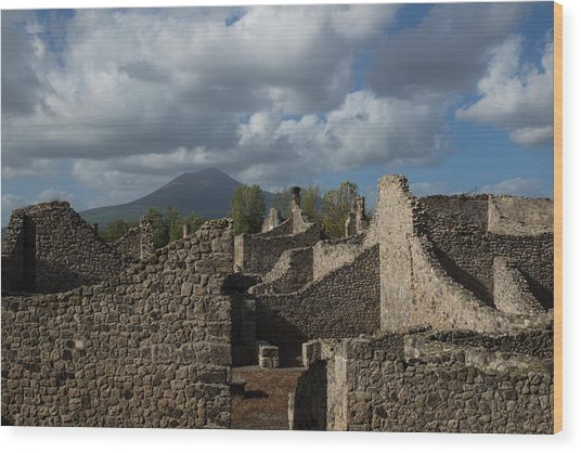 Vesuvius Towering Over The Pompeii Ruins Wood Print