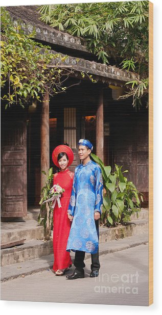 Vietnamese Wedding Couple 01 Wood Print