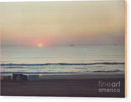 Virginia Beach Sunrise Wood Print