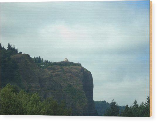 Vista House At Crown Point Promontory Wood Print by Lizbeth Bostrom