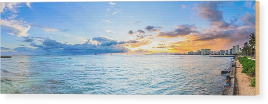 Waikiki Sunset After An Afternoon Thunderstorm Wood Print