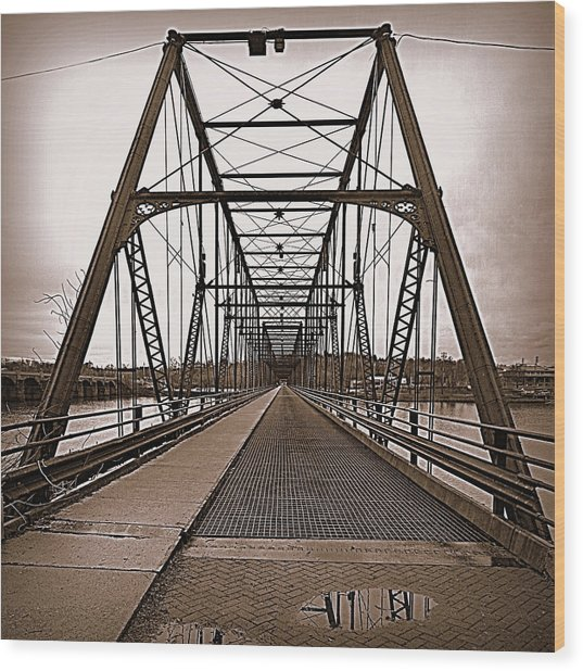 Walnut Street Bridge Wood Print