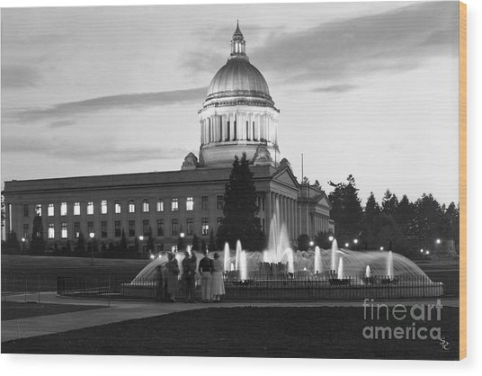 Washington State Capitol And Tivoli Fountain At Dusk 1950 Wood Print