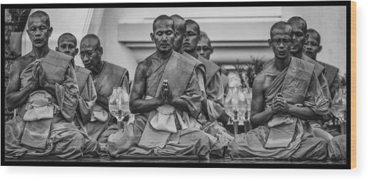 Wat Dhamma Monks Prayers Wood Print by David Longstreath