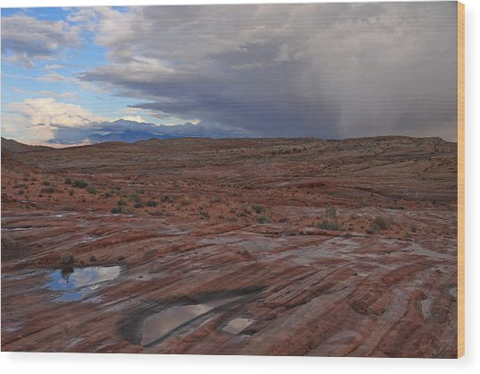 Waterpockets And Storm At The Valley Of Fire Wood Print