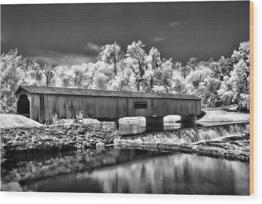 Watson Mill Covered Bridge In Infrared Wood Print by Linda Mcfarland
