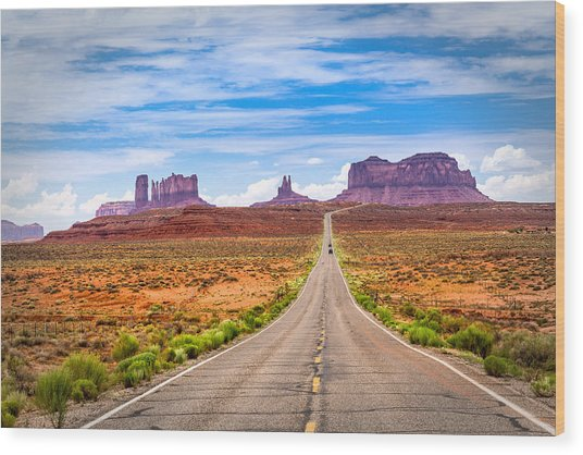Welcome To Monument Valley Wood Print
