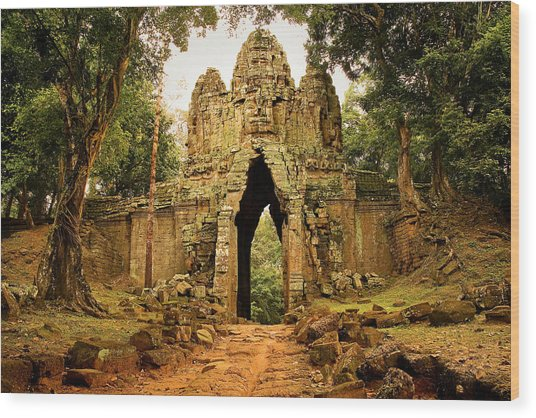 West Gate To Angkor Thom Wood Print