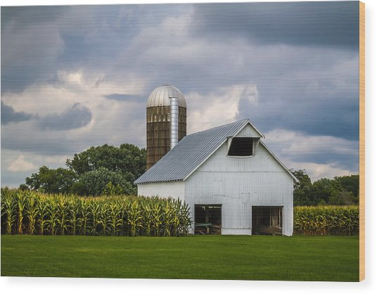 White Barn And Silo With Storm Clouds Wood Print