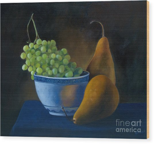 White Bowl With Grapes Wood Print by Stephanie Allison