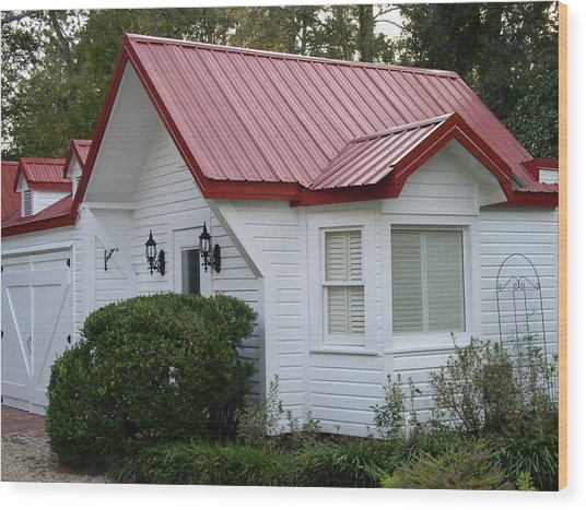 White Cottage Red Roof In Moultrie Georgia 2004 Wood Print