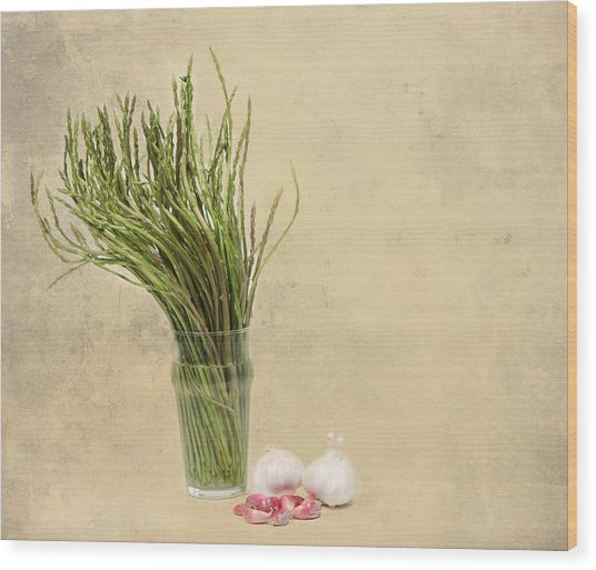 Wild Asparagus And Garlic Wood Print by Angela Bruno