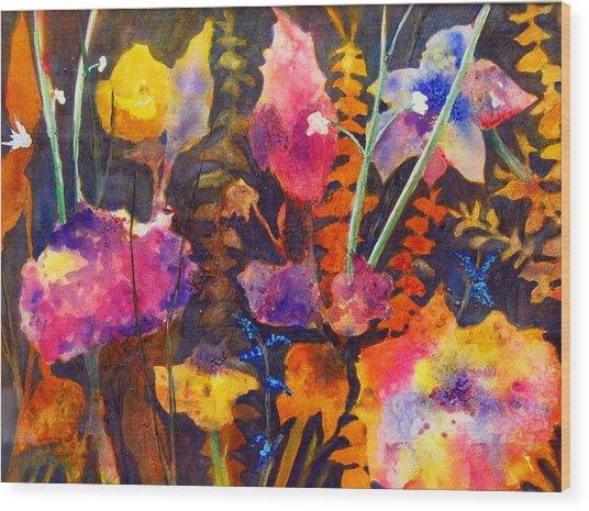 Wild Cottage Garden Wood Print by Henny Dagenais