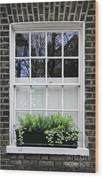 Window In London Wood Print