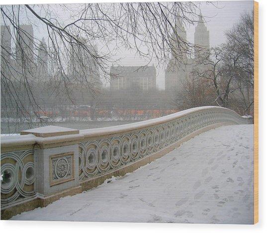 Winter At Bow Bridge Wood Print