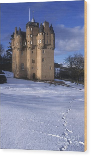 Winter At Craigievar Castle - Aberdeenshire Wood Print