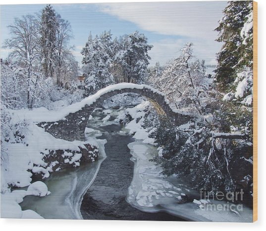 Old Packhorse Bridge - Carrbridge Wood Print