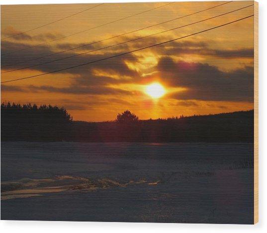 Winter Sun Sets 4 Wood Print by Gene Cyr