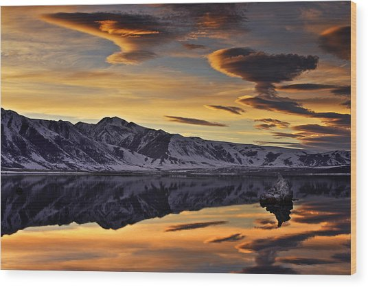 Winter Sunset At Mono Lake Wood Print