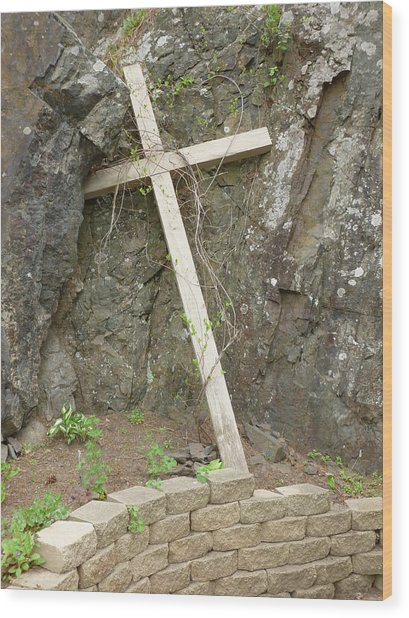 Wooden Cross In The Rocks Wood Print by Jennifer Cairns