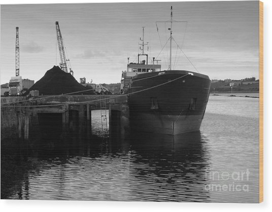Working Harbour Wood Print by Frank Anthony Lynott
