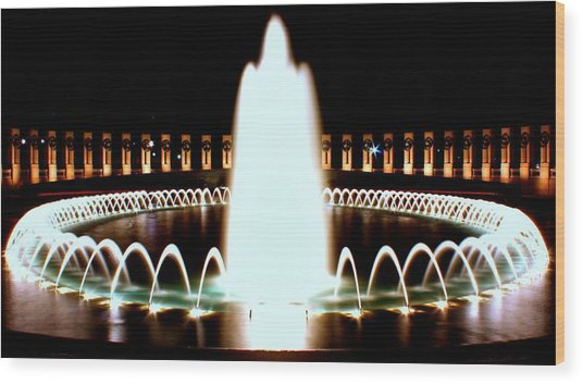 World War II Memorial And Fountain At Night Wood Print