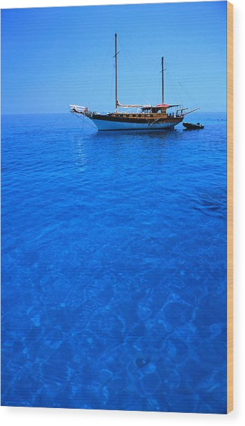 Yacht Anchored In The Spectacular Wood Print