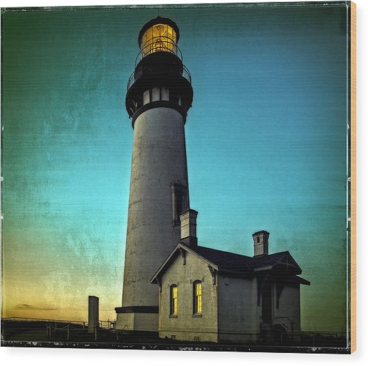 Yaquina Head Lighthouse At Sunset Wood Print
