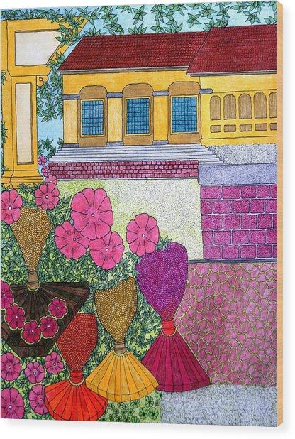 Yellow Casa Pink Flors Wood Print