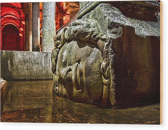 Yerebatan Sarnici / The Sunken Cistern Wood Print