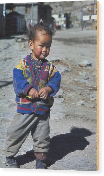 Young Nepalese Girl In Manang Wood Print by Richard Berry