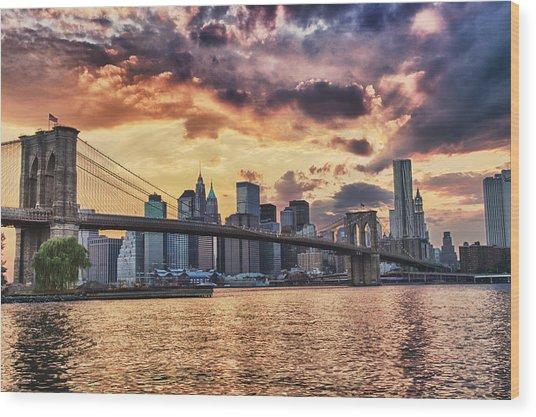 Sunset Over The Brooklyn Bridge Wood Print