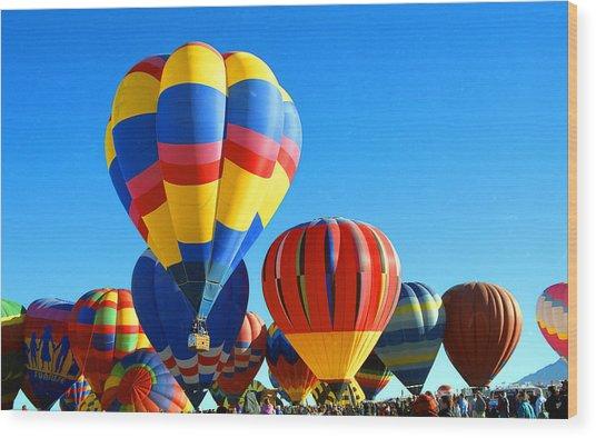 Albuquerque Balloons Wood Print by Les Walker
