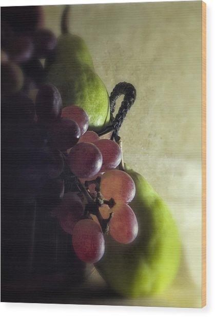 Back Lit Grape Still Life Wood Print by Andrew Soundarajan