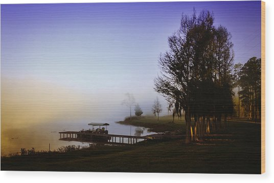 Misty Morning On Lake Jaunita Wood Print